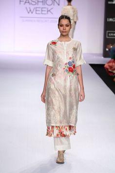 Tunic Designs, Kurta Designs, Indian Designer Outfits, Designer Dresses, Indian Dresses, Indian Outfits, Lakme Fashion Week, Embroidery Fashion, Bollywood Fashion
