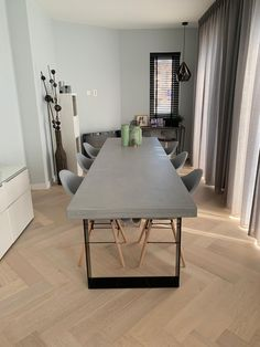 Dining Table Chairs, Dining Room, Home Kitchens, Cribs, Sweet Home, New Homes, Interior, Inspiration, Furniture