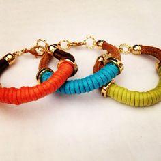 ¡Hermosas y coloridas pulseras!