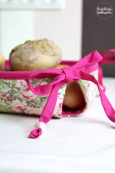 Neues ebook: Mathilda, das Schleifenkörbchen * The Crafting Café Diy Mode, Blog, Gift Wrapping, Handmade, Crafts, Diy, Gift Wrapping Paper, Hand Made, Manualidades