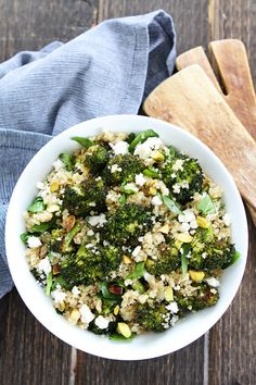 Roasted Broccoli Quinoa Salad Recipe on twopeasandtheirpod.com This easy and healthy salad is great for lunch or dinner! Make it today!