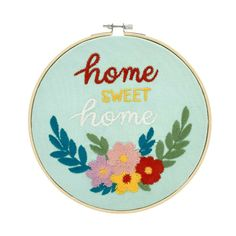 NEW! PIONEER WOMAN SPRING HOME EMBROIDERY HOOP WALL HANGING FLORAL #ThePioneerWoman Garden Living, Decorative Signs, Country Charm, Spring Home, Pioneer Woman, Accent Colors, Home Decor Items, Sweet Home, Embroidery