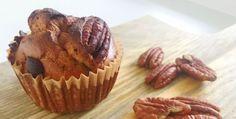 Deze gezonde speculaas muffins met pecan zijn een heerlijke traktatie voor Sinterklaas. Maar ook na 5 december is snoepen van deze muffins een feest!