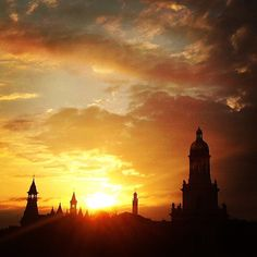 I can never get enough of watching the sunset on the #Baylor campus. #SicEm