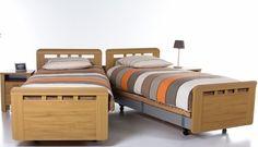 Vroomshoop Montreal  Kleur: eiken naturel,licht noten,kersen naturel, Comforthoogte,wielen,uitrijdbaar,deelbaar twee persoonsbed, senior bed,matras