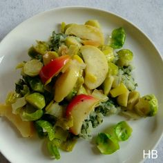 Boerenkoolstamppot met geroerbakte spruitjes en appel uit Sandinavisch Comfort Food van Trine Hahnemann