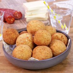 Learn how to make Cromesquis with raclette and chorizo rnrnSource by demotivateurFood Buzzfeed Food Videos, Buzzfeed Tasty, Cheesy Recipes, Mexican Food Recipes, Raclette Vegan, Brownie Recipe Video, Chorizo, Zero Calorie Foods, Good Food
