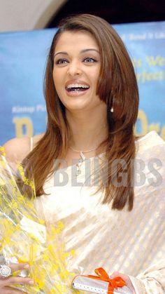 Aishwarya Rai Pictures, Aishwarya Rai Photo, Aishwarya Rai Bachchan, Most Beautiful Indian Actress, Most Beautiful Women, Samantha Images, Desi Wear, Bollywood Actress Hot Photos, Chubby Cheeks