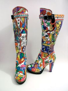 An outstanding pair of hand painted knee high boots pop-art inspiration.  Wearing this hand painted knee high boots, you will cause people to stare.  Buy these or have your own customized.  You can have them customized anyway you like!   SEE OUR SHOP!!