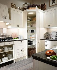 Kitchen Corner Pantry Layout White Cabinets 43 Ideas For 2019 Kitchen Corner, Corner Pantry, Eclectic Kitchen, Kitchen Remodel, Home Kitchens, Kitchen Layout, Kitchen Pantry Design, Kitchen Renovation, Corner Kitchen Pantry