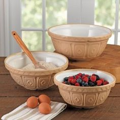 Classic stoneware mixing bowls. These make me want to whip up a yummy batter while listening to Big Band music. Made by Mason Cash & Co for the past 100 years.