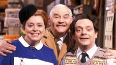 Open All Hours. Image shows from L to R: Nurse Gladys Emmanuel (Lynda Baron), Albert Arkwright (Ronnie Barker), Granville (David Jason). British Tv Comedies, Classic Comedies, British Comedy, British Humour, British Actors, British History, Ronnie Barker, Open All Hours, David Jason