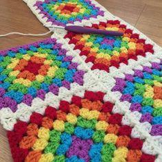 8 Rainbow Crochet Blanket Patterns for new crochet blanket pattern; crochet blanket pattern easy Crochet blankets 8 Rainbow Crochet Blanket Patterns for new 2019 - Page 3 of 9 - Beauty Crochet Patterns! Crochet Square Blanket, Granny Square Crochet Pattern, Afghan Crochet Patterns, Crochet Squares, Baby Blanket Crochet, Crochet Granny, Crochet Stitches, Crochet Baby, Knitting Patterns