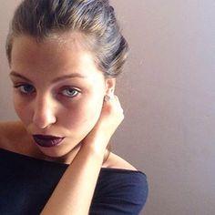 O batom líquido é a melhor forma de manter a maquiagem em dia sem derreter! | 15 dicas de estilo para continuar gótica suave neste calor infernal
