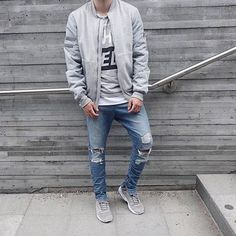 Streetwear Randomness Daily Streetwear Outfits Tag to be featured DM for promotional requests Stylish Mens Fashion, Stylish Mens Outfits, Casual Outfits, Fashion Outfits, Fashion Men, Urban Street Style, Urban Style, Outfits Hombre, Style Japonais
