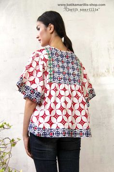Sewing clothes bohemian shirts new Ideas Sewing Clothes Women, Free Clothes, Clothes For Women, Batik Dress, Patchwork Dress, Blouse Dress, Kurta Designs, Blouse Designs, Amarillis