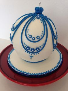 Christmas Bauble or Cake?