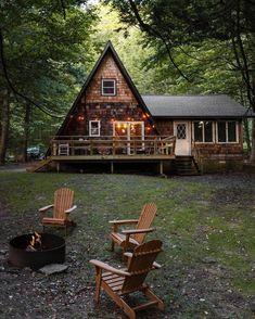Tiny House Cabin, Tiny House Living, Tiny House Plans, Cabin Homes, Tiny Houses, A Frame Cabin, A Frame House, Cabana, Der Plan