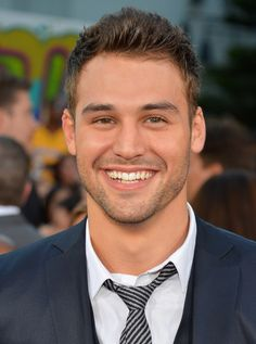 Full Sized Photo of ashley tisdale ryan guzman step up revolution premiere 17 Ryan Guzman, Most Beautiful Man, Gorgeous Men, Receding Hairline Styles, Elizabeth Arden Advanced Ceramide Capsules, Step Up Revolution, Scruffy Men, Handsome Guys, Portrait Photography Men
