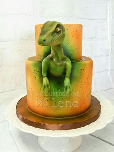 Dinosaur cake Dinosaur Cakes For Boys, Dinosaur Birthday Cakes, Adult Birthday Cakes, Dinasour Cake, Dinasour Party, Paisley Cake, Jurassic World Cake, Cake Decorating Designs, Dino Cake