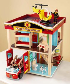 When the alarm sounds, the sleeping firefighters jump from the bunkbeds and into action in this engaging fire station set. Featuring two blaze-battling vehicles, working garage doors and plenty of dutifully detailed accessories, it inspires little ones to imagine a day in the life of true heroes.