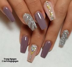 40 Fabulous Nail Designs That Are Totally in Season Right Now - clear nail art designs,almond nail art design, acrylic nail art, nail designs with glitter Elegant Nail Designs, Elegant Nails, Fall Nail Designs, Cute Nail Designs, Fabulous Nails, Gorgeous Nails, Pretty Nails, Cute Nails, Fancy Nails