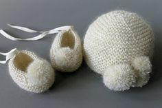 Image of Ensemble bébé complet cachemire et mohair, chaussons, bonnet et moufles