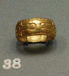Viking Age gold finger ring from High Street, Dublin #Ireland #Dublin #Archaeology pic.twitter.com/TAfSrAXG18