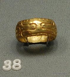 Viking Age gold finger ring from High Street, Dublin #Ireland #Dublin #Archaeology pic.twitter.com/TAfSrAXG18