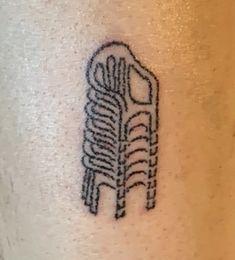 Cute Tiny Tattoos, Dainty Tattoos, Little Tattoos, Pretty Tattoos, Small Tattoos, Cool Tattoos, Tatoo Henna, Sick Tattoo, Poke Tattoo