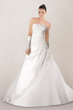 stunning-strapless-satin-princess-wedding-dress-with-delicate-beadings-details