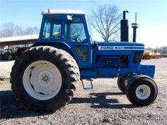 Bee F A F Ffdb Ce Ford Tractors Bobby