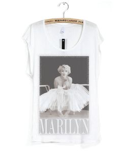 2cb3818bba906 181 Best Marilyn Monroe tee shirts images