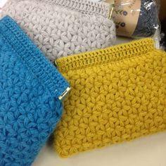 Crochet Pouch, Crochet Purses, Knit Crochet, Knitted Bags, Lace Knitting, Beautiful Crochet, Handicraft, Crochet Projects, Needlework