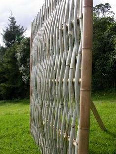 woven split bamboo fence panel Bamboo Arts and Crafts Gallery - Modern Bamboo Trellis, Bamboo Art, Bamboo Crafts, Bamboo Fence, Garden Gates And Fencing, Diy Garden Fence, Garden Yard Ideas, House Front Gate, Fence Weaving