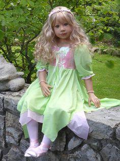 Sleeping Beauty by Monika Levenig - 2014 MasterPiece Dolls