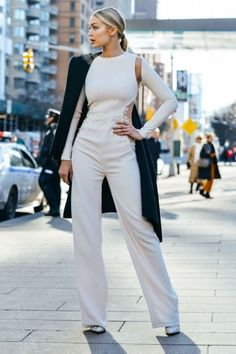Fall trends | Sophisticated white jumpsuit and a coat