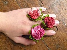 Rosie Rings. Would make a good pattern for brooch or hair accessory.