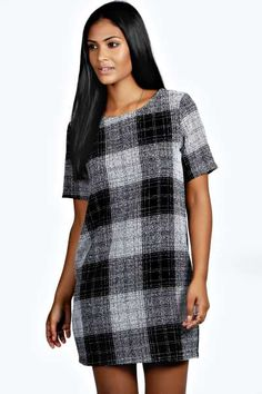 Work a classic style with boohoo Ireland's collection of shift dresses. Shop online today to find the perfect shift dress for you! Casual Day Dresses, Work Dresses For Women, Short Sleeve Dresses, Maxi Dresses, Smart Outfit, Party Dress, Bodycon Dress, Boohoo, Clothes