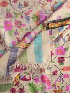 Exquisite Kashmir Pashmina Dorukha Kani Phool-Patti Design Hand Woven Shawl Kashmiri Shawls, Cashmere Shawl, Pashmina Shawl, Paisley Pattern, Shawls And Wraps, Fabric Art, Soft Furnishings, Handicraft, Hand Weaving