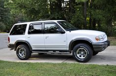 dream wheels/rims Mustang Wheels, Car Wheels, Lifted Ford Explorer, Bike Wheel, Ford Expedition, Custom Wheels, Wheel Cover, Ford Motor Company, Alloy Wheel