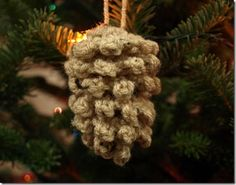 ice-and-crochet-pine-cone free pattern, I love the natural look of this!