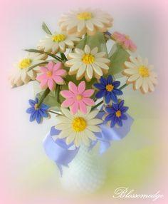 valentine's day floral cookie bouquet