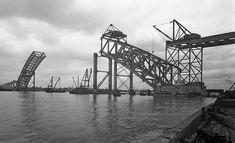 Bayonne Bridge under construction. Bayonne Bridge, 4 World Trade Center, Arch Bridge, George Washington Bridge, Staten Island, Under Construction, New Jersey, Ocean, Travel