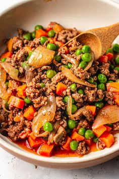 Easy Ground Beef Meal Prep Recipe (Paleo, Easy keto ground beef recipe with zucchini noodles, inspired by beef stroganoff. This Paleo Keto ground beef dish is easy, affordable, and loaded with flavor! Beef Recipe Low Carb, Paleo Recipes, Dinner Recipes, Delicious Recipes, Venison Recipes, Sausage Recipes, Turkey Recipes, Crockpot Recipes, Dinner Ideas