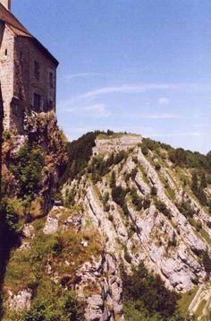 Château de Joux 25300 La Cluse-et-Mijoux; Musée des armes