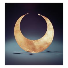 Lunula, Ross, County Westmeath, Early Bronze Age, C.2000 BC (Gold)