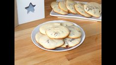 Tender, vanilla flavored and absolutely delicious, these raisin cookies are my childhood favorite sweet treat. These raisin cooki. Raisin Cookies, Vanilla Flavoring, Food Videos, Sweet Treats, Oven, Bread, Make It Yourself, Baking, Desserts