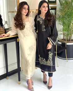 Black or white? Loving latest Semi-Formal Collection ✨🔥 Source by Outfits indian Pakistani Fashion Party Wear, Pakistani Formal Dresses, Pakistani Wedding Outfits, Pakistani Dress Design, Indian Fashion, Eid Outfits, Dress Outfits, Fashion Dresses, Hijab Dress