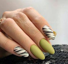 Matte Green Nails, Matte Nails, Acrylic Nails, Acrylics, New Nail Art, Nail Art Diy, Nail Polish Designs, Nail Art Designs, Summery Nails
